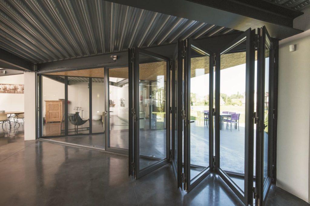 Bi-fold-doors-ALIUMINIUM-Reynaers-CF77-14-1024x681