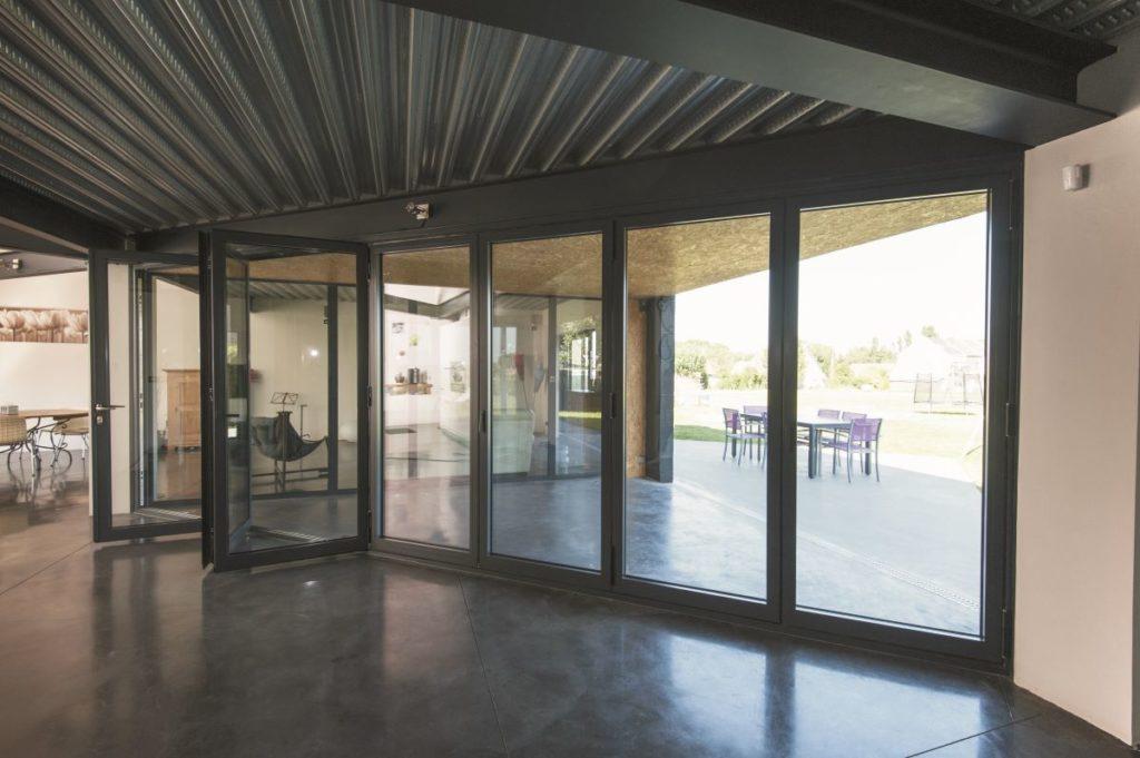 Bi-fold-doors-ALIUMINIUM-Reynaers-CF77-15-1024x681