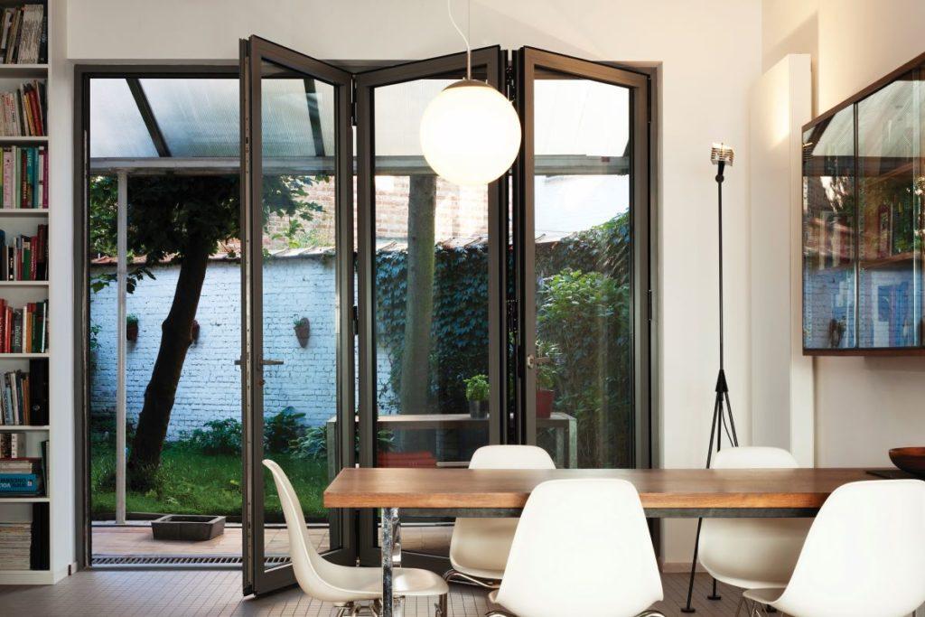 Bi-fold-doors-ALIUMINIUM-Reynaers-CF77-16-1024x683