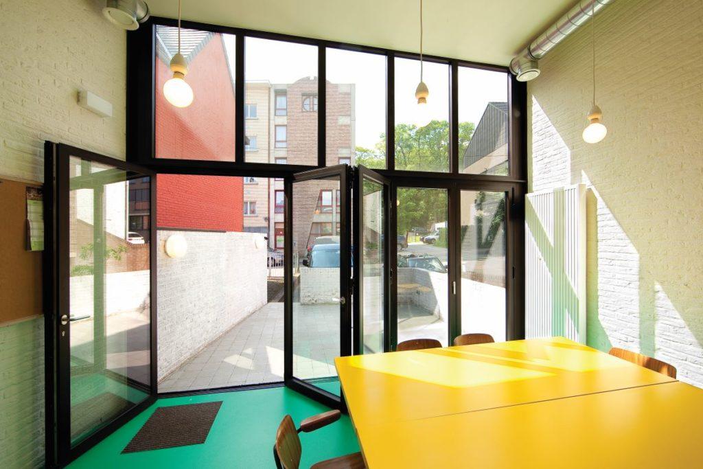 Bi-fold-doors-ALIUMINIUM-Reynaers-CF77-3-1024x683