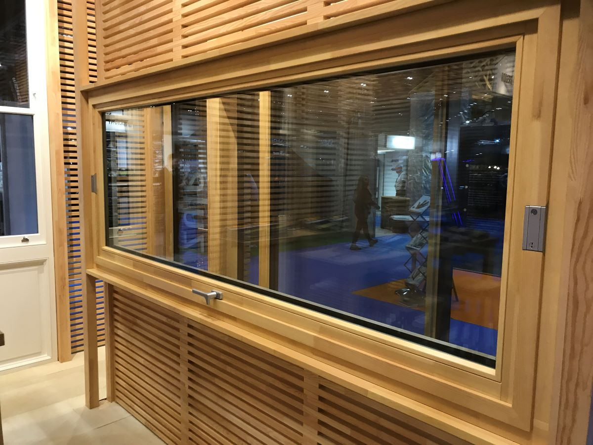 Contemporary-windows-Timber-Pivot-Zyle-Fenster-case-studies-4