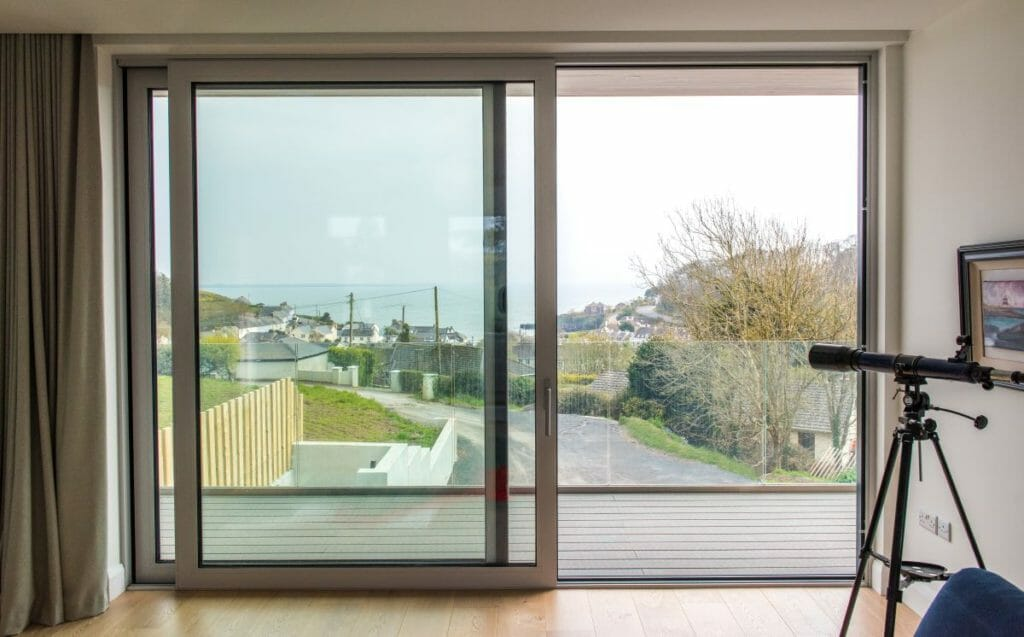 Timber-sliding-doors-Zyle-Fenster-1-1024x637