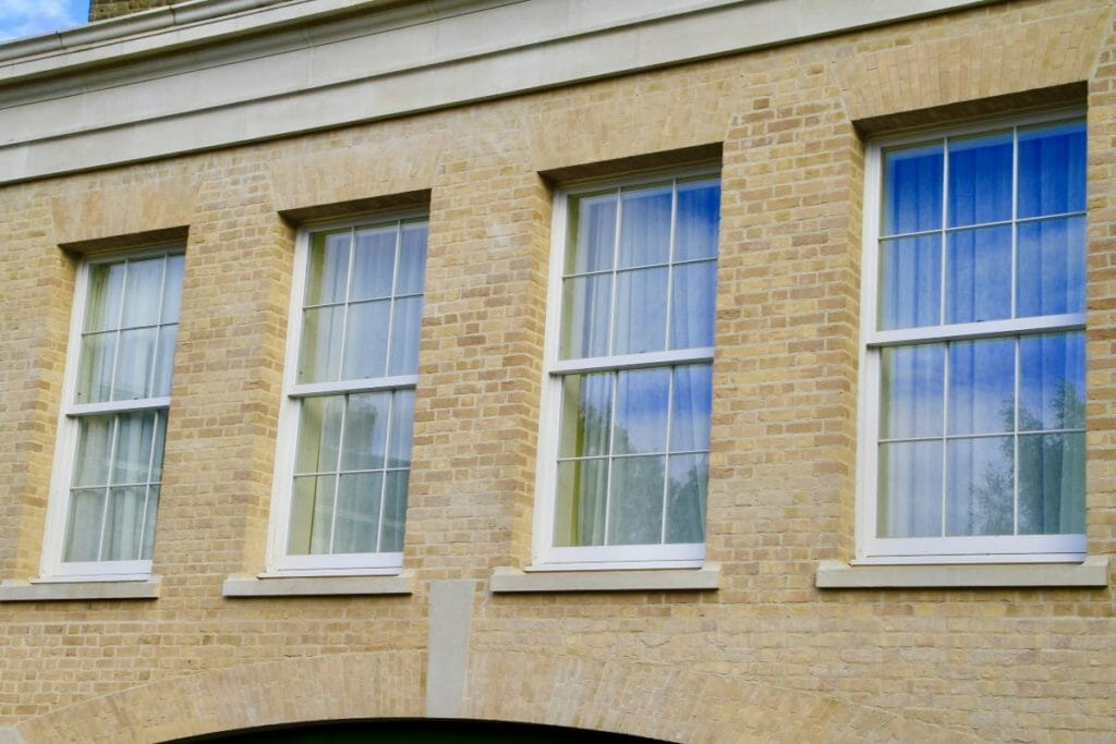 Traditional-Box-Sash-windows-Zyle-Fenster-16-1024x683