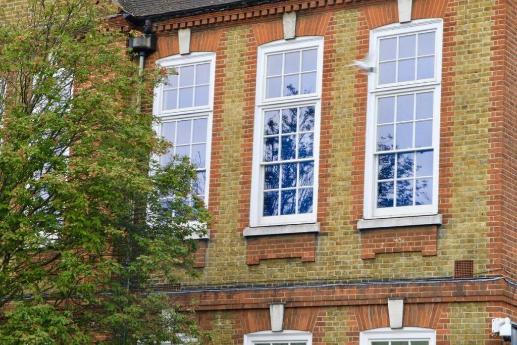 Traditional-Box-Sash-windows-Zyle-Fenster-23-1024x683